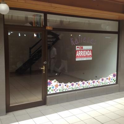 Arriendo de Local Comercial  en Valdivia, sector Galeria Cristal, Valor 23 UF