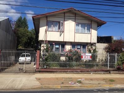 Venta de Casa  en Valdivia, sector Errazuriz con Barros Arana, Valor 88.000.000