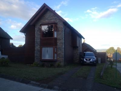 Venta de Casa  en Valdivia, sector Torobayo, Valor $ 160 millo