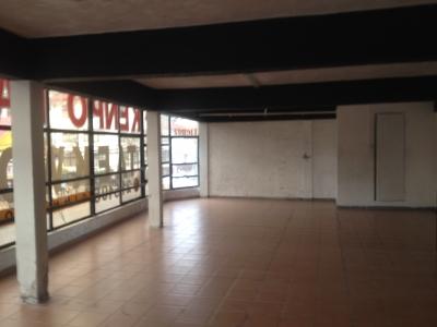 Arriendo de Local Comercial  en Valdivia, sector Picarte _ Salesiano , Valor 40 UF