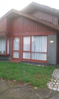 Venta de Casa  en Valdivia, sector salida sur, Valor  $ 135 mill