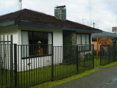 Venta de Casa  en Valdivia, sector Centro, Valor $ 150 millo